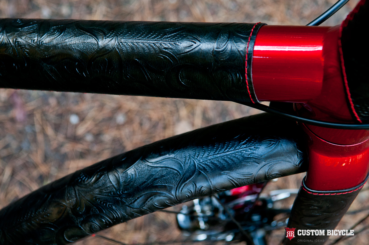 Mudguards - PVC covered with a natural ornamental black leather